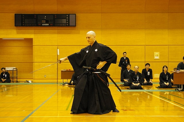 20170810-640px-iaido_tournament_2006_-_005.jpg