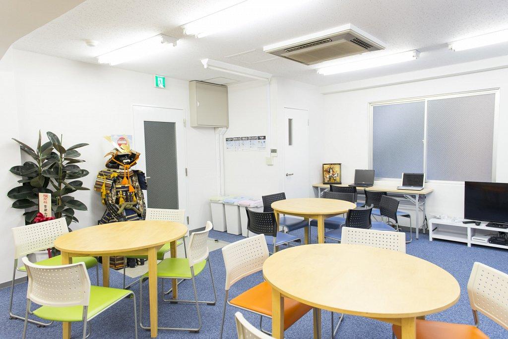 tokyo-school-lounge3.jpg